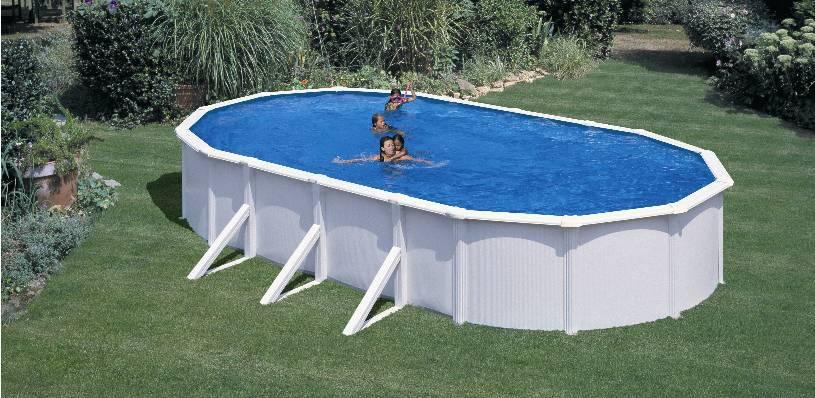 În așteptarea verii pentru o baie în piscină