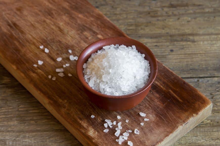 10 lucruri pe care le poți curăța cu sare