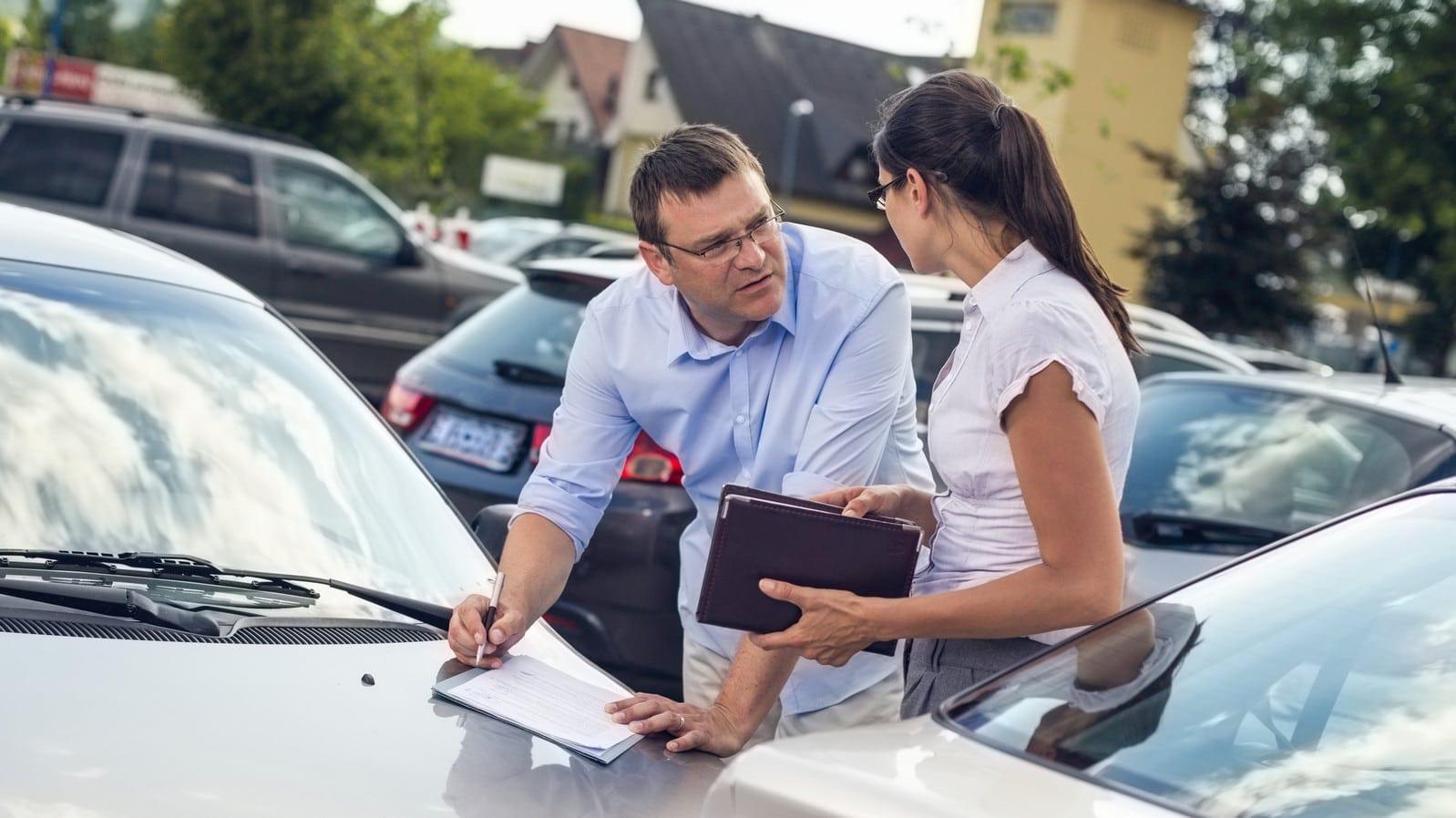 5 greșeli frecvente făcute de șoferi și care pot produce accidente rutiere grave