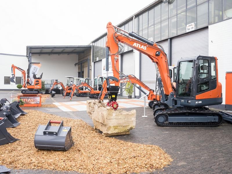 Excavator de vanzare si cum sa alegi excavatorul potrivit pentru afacerea ta ?
