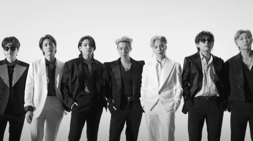 """Trupa BTS cucereşte internetul cu o piesă savuroasă – """"Butter"""""""