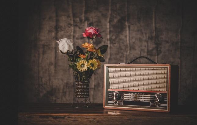 Radioul – istorie, informare şi divertisment