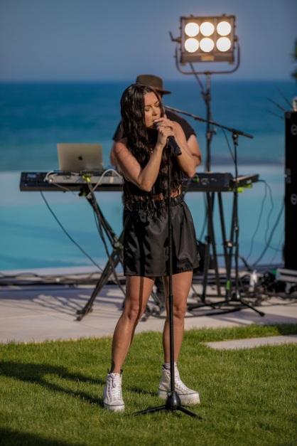 Artişti talentaţi, muzică bună şi multă creativitate la Global by the Sea